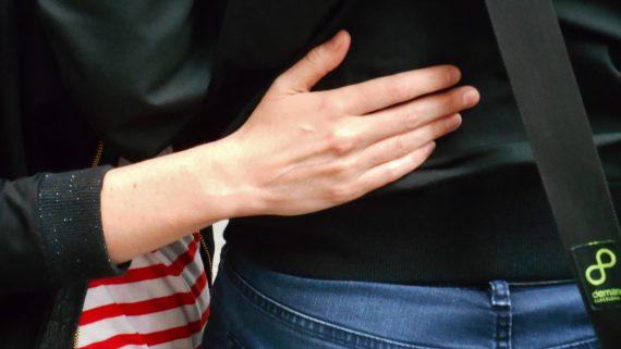 tendons visibles de la main