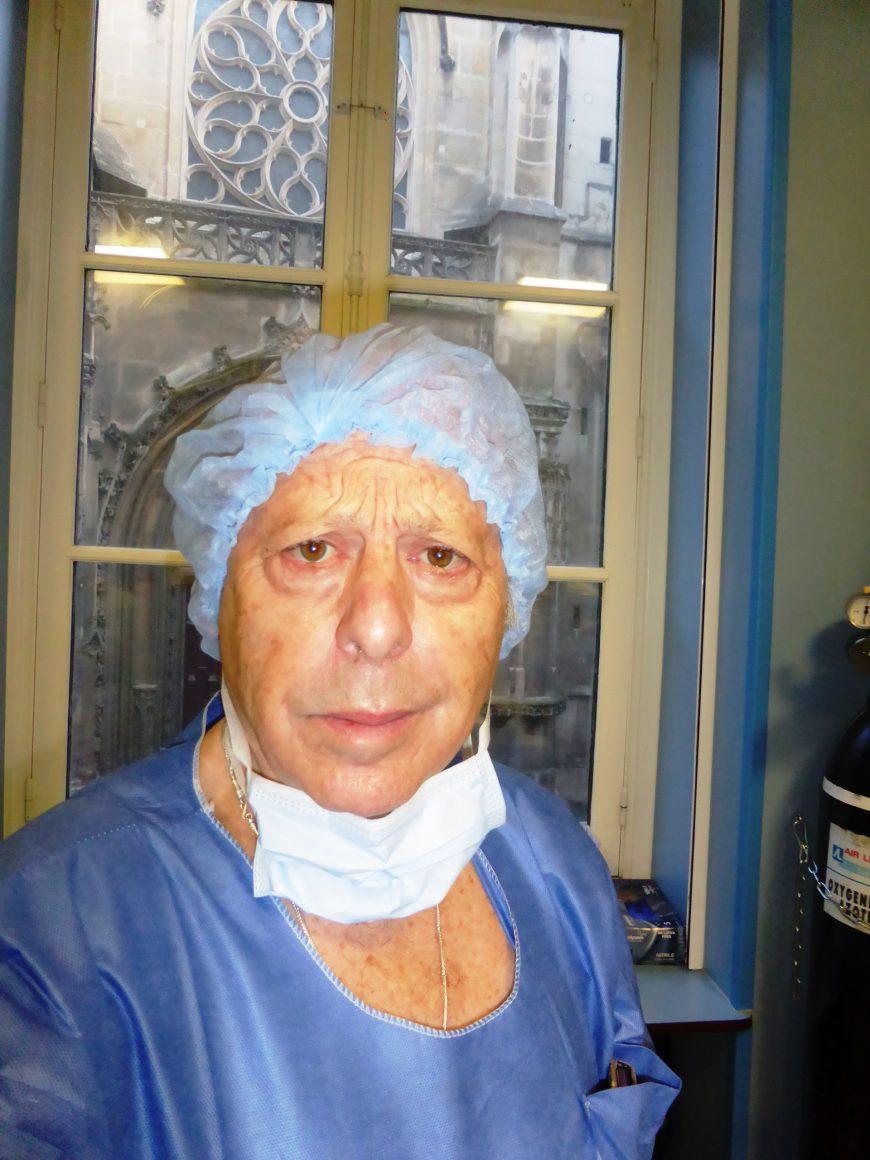 le docteur vladimir mitz au bloc opératoire